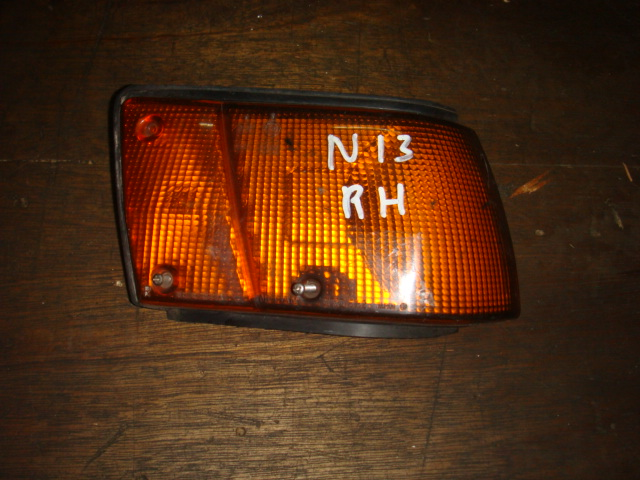 Nissan N13 Side Lamp