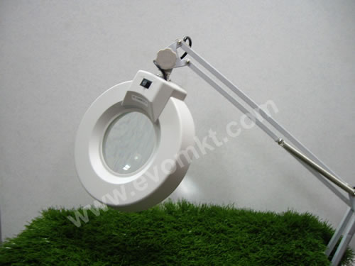 MAGNIFYING LAMP (CLAMP)