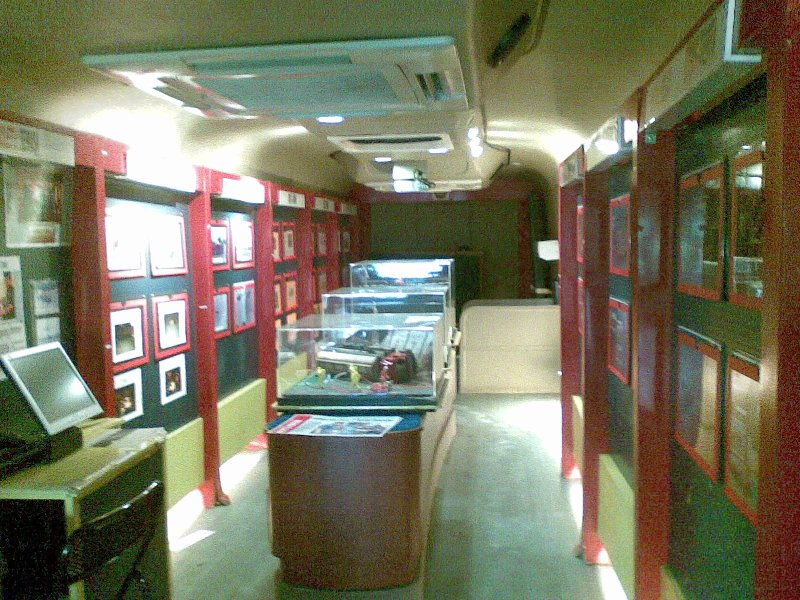 show room.bomber mobile showroom JB.Show room design