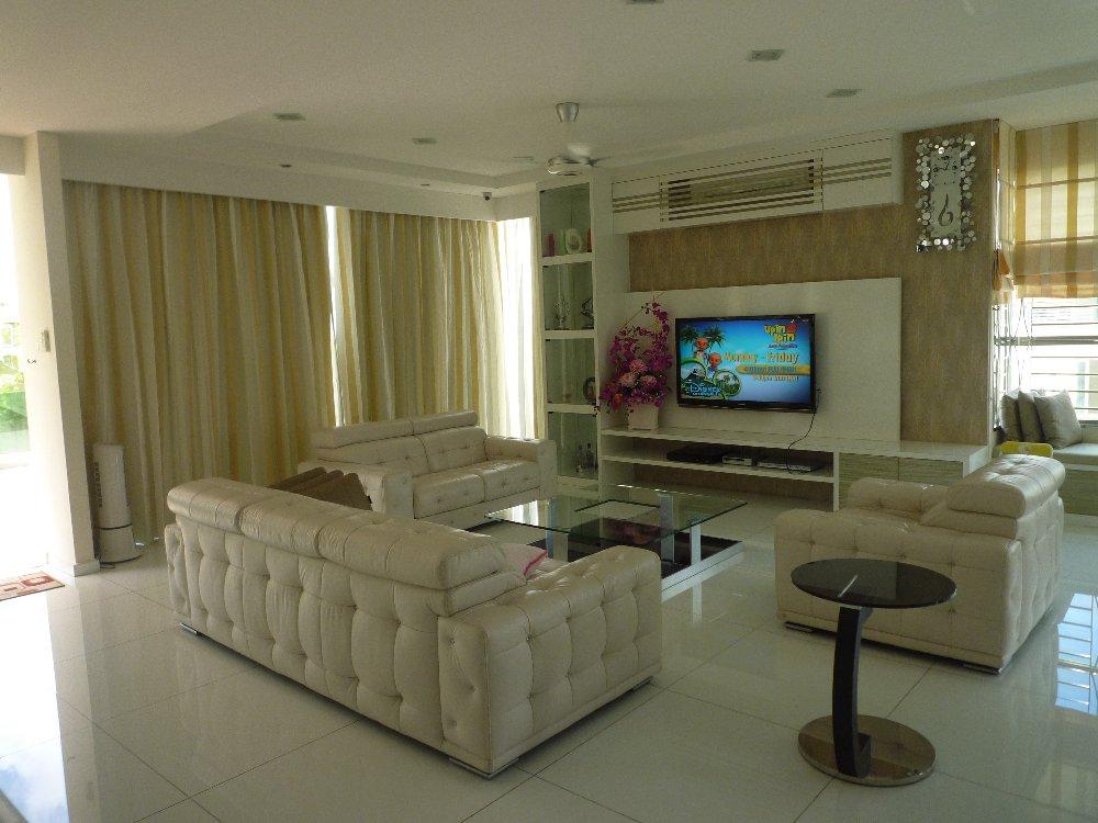 Living hall design malaysia idei interesante pentru a for Home design johor bahru