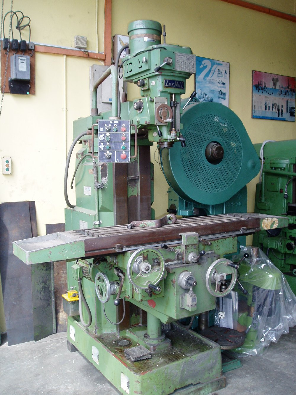 Recon Taiwan 3Hp Milling machine (5 Hp body)