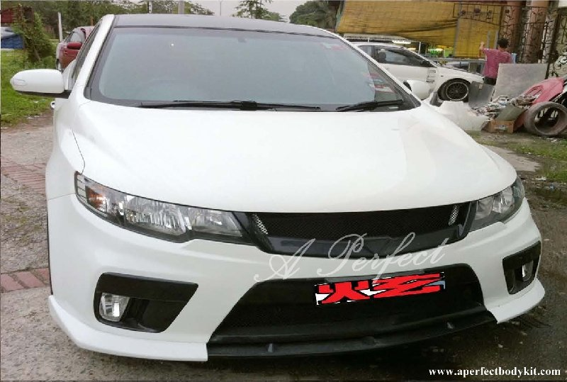 Kia Forte Front Bumper (Koup Style), Front Lip (NF Style) & Front Grill (RR Style)