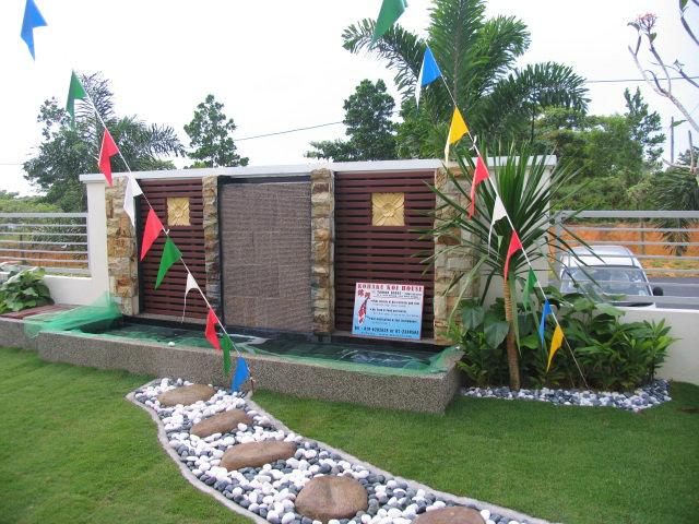 Mutiara rini show house koi pond design and build johor for Koi pond johor bahru