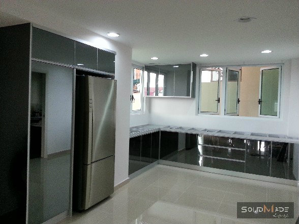 Aluminium kitchen cabinet aluminum kitchen cabinet for Door design johor bahru