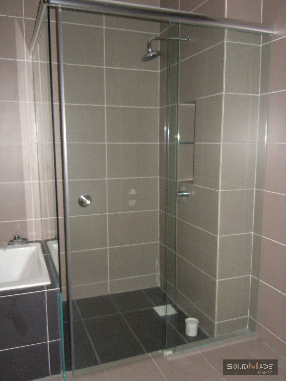 Shower Screen Swing Door Tempered Glass Shower Screen