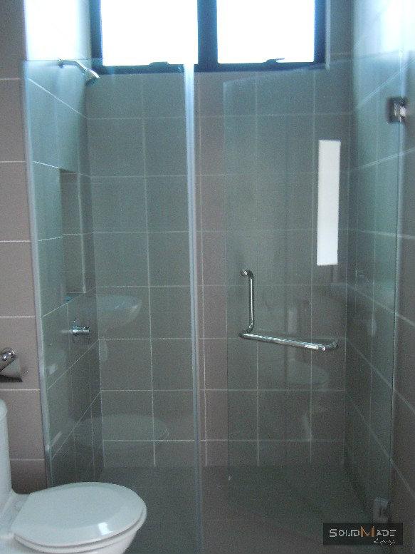 Shower Screen Swing Door Tempered Glass Shower Screen