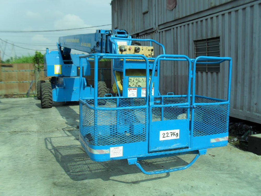 JLG BOOM LIFT FOR RENT IN JB