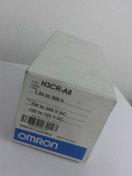 Omron Timer H3CR-A8  1.2S to 300H  100 to 240VAC  100 to 125