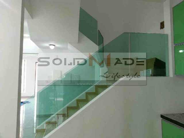 Staircase Handrail Glass Panel