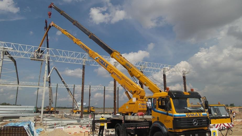 rental mobile crane / rough terrain crane and Lorry crane and Boomlift in Selangor and Kuala Lumpur