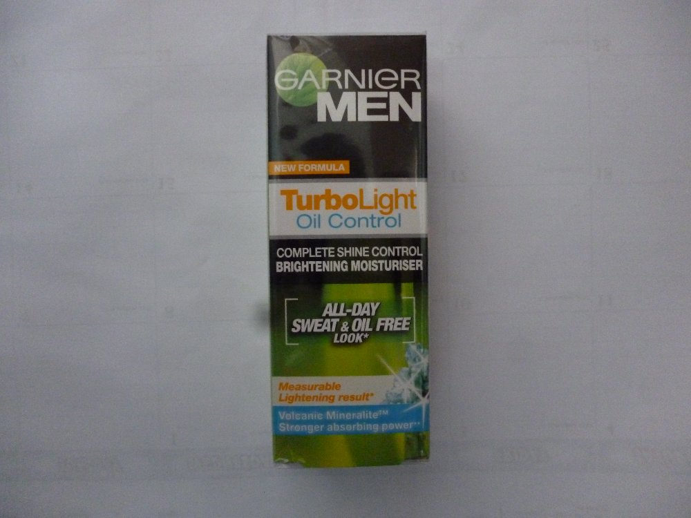 TURBOLIGHT OIL CONTROL MOIST 40ML