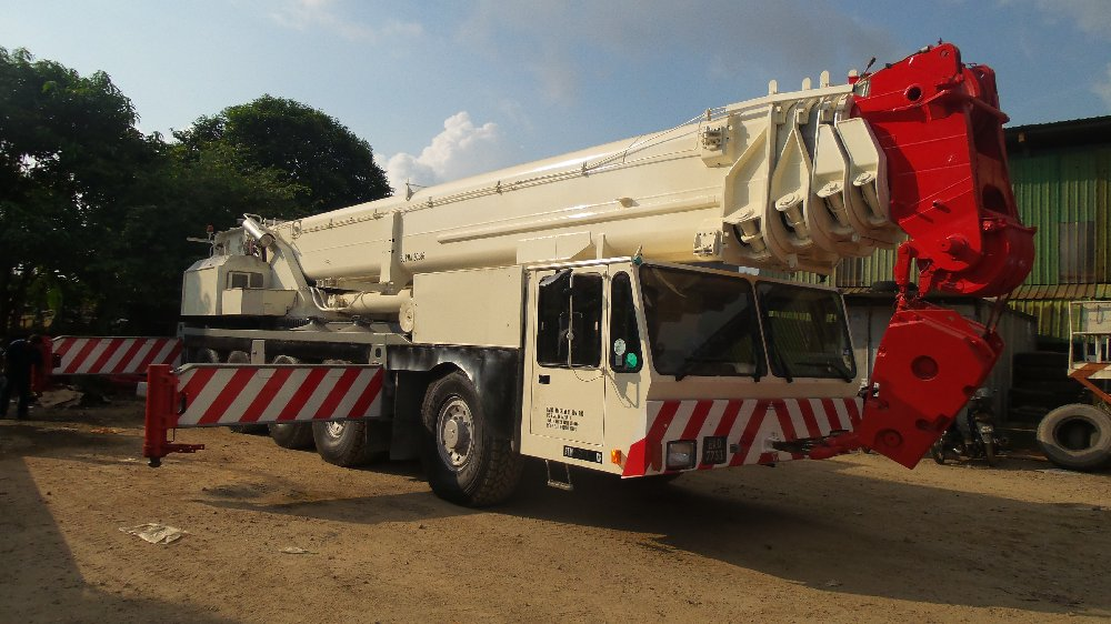 rental mobile crane / rough terrain crane 25t,45t,50t,70t,80