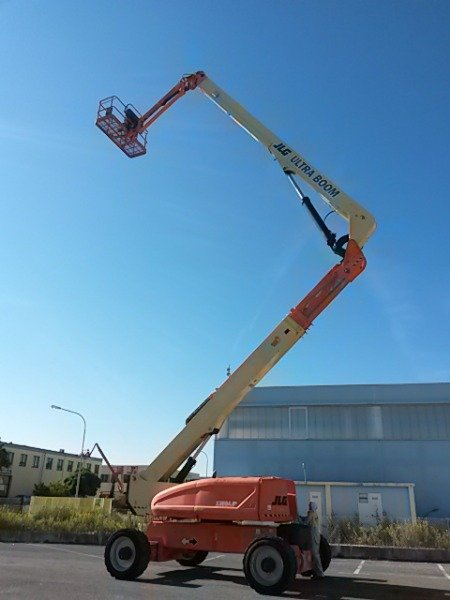 BOOM LIFT FOR SALE IN MALAYSIA AND JB