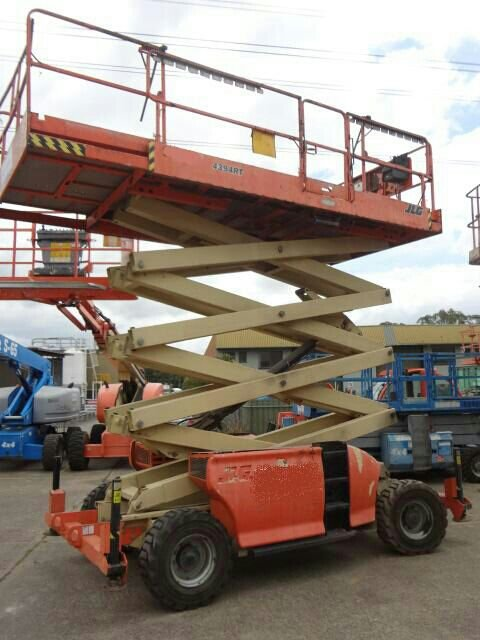 diesel scissor lift rt 4394 for sale rm85,000.00 + gst in JB