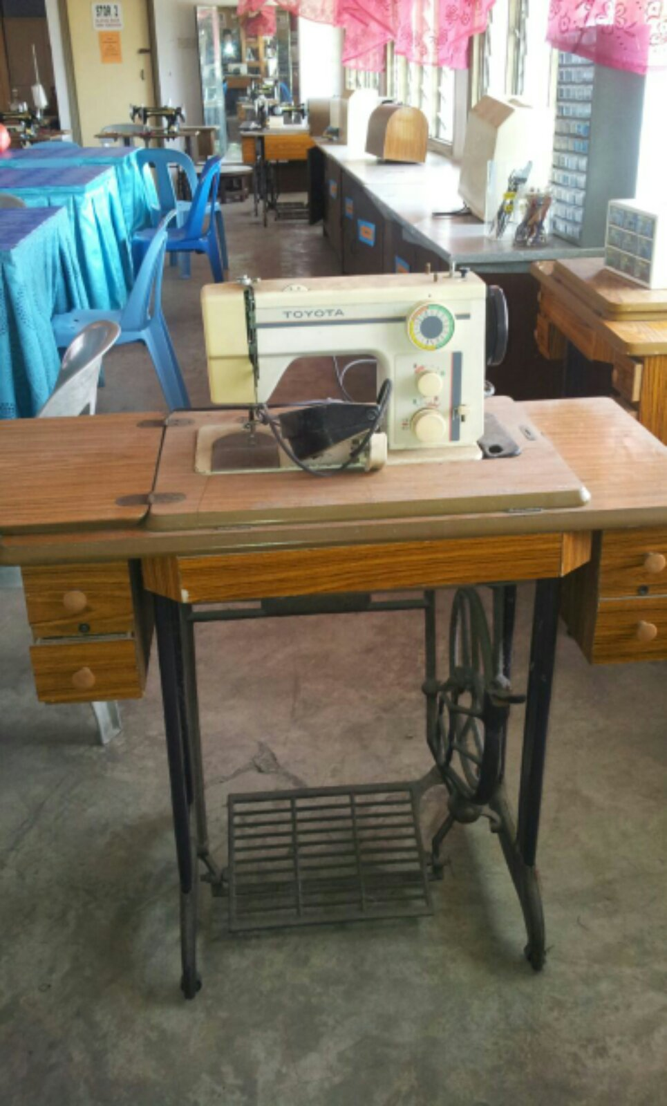 Second Sewing Machine@@