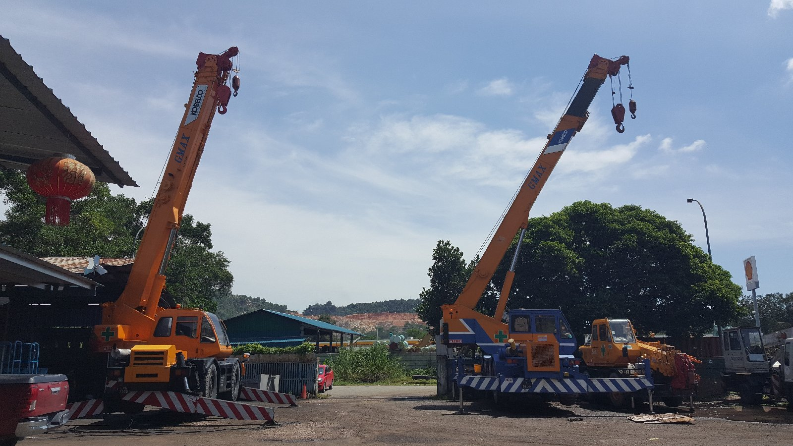 25t Rough terrain crane for rent in Johor bahru and pengeran