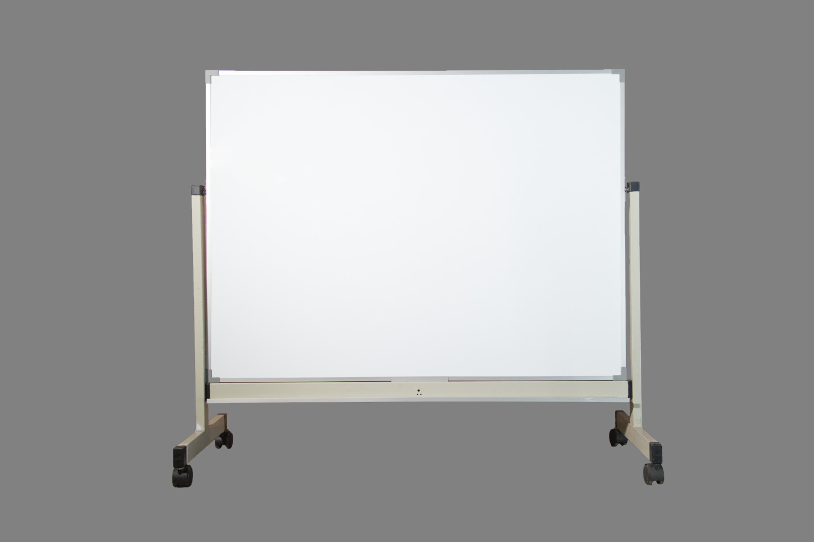 Whiteboard with stand ( Size: *3x4 *4x6 )