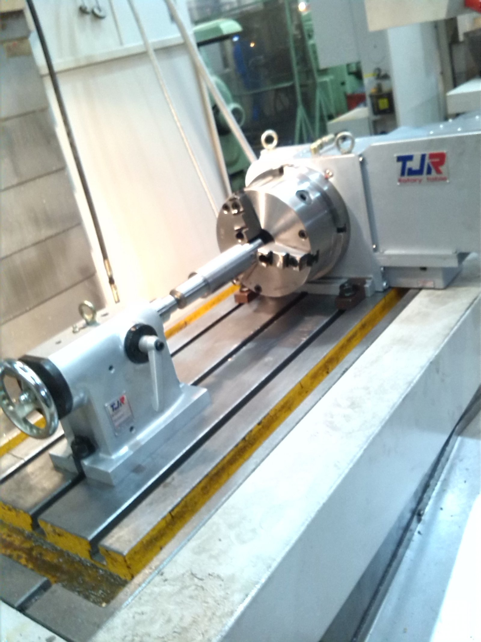 Install and supply 4th axis CNC rotaty table