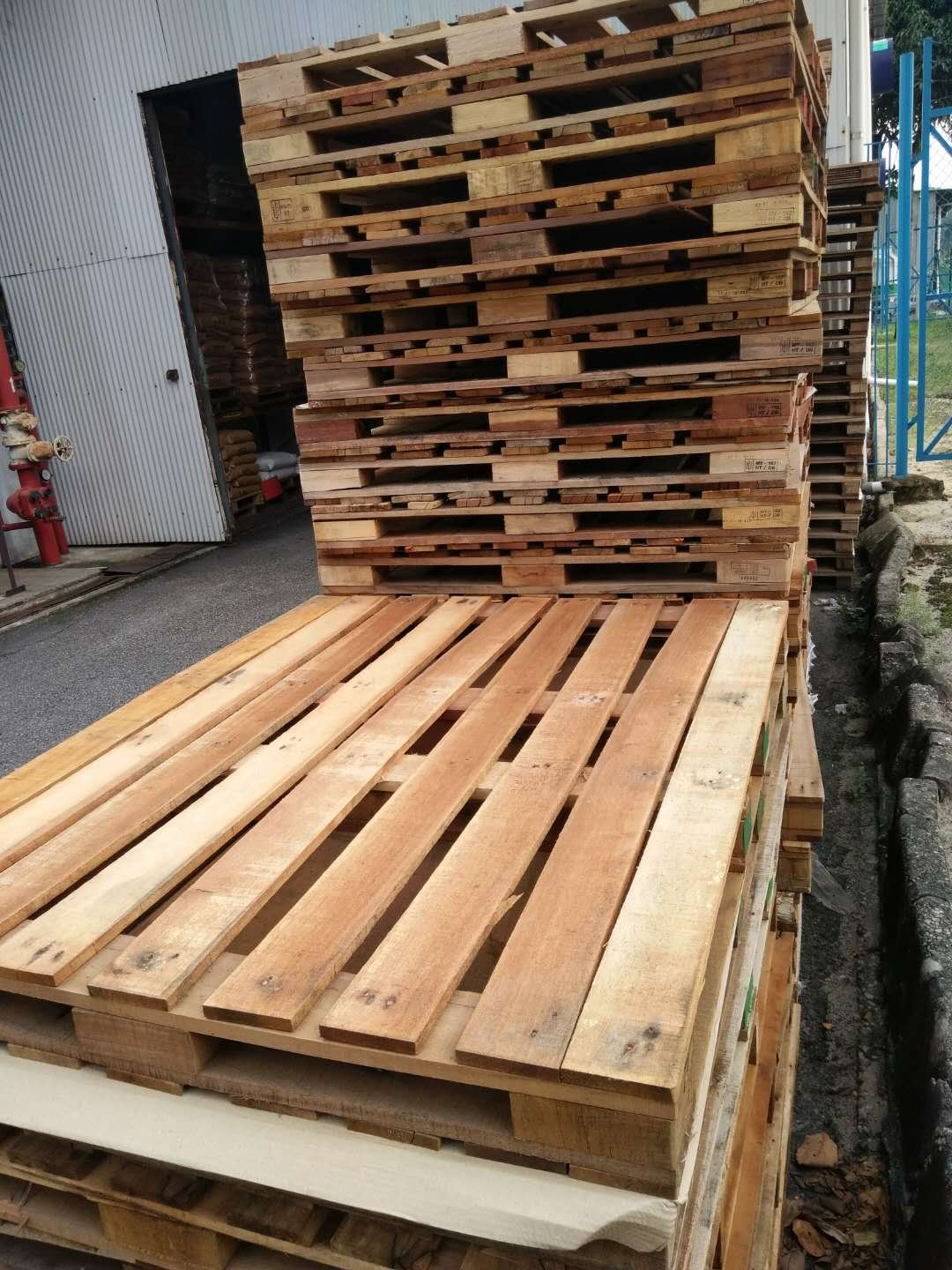 Wooden Pallet (1200*1200*130mmh) limited quantity 90pcs only for sales.