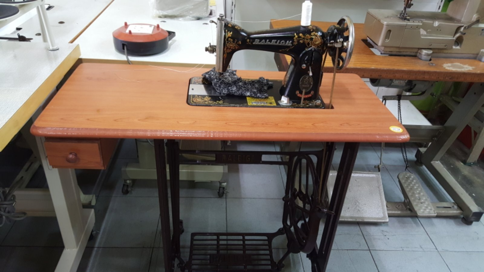 Second Hand Raleht Ha Sewing Machine