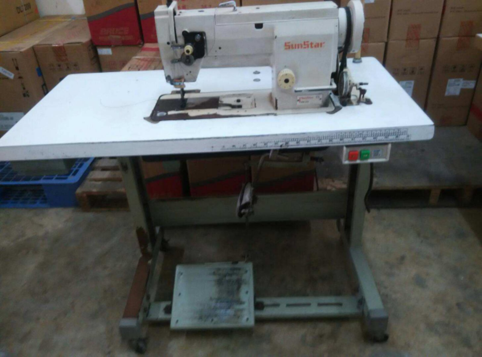 User Sunstar Sewing Jears Machine
