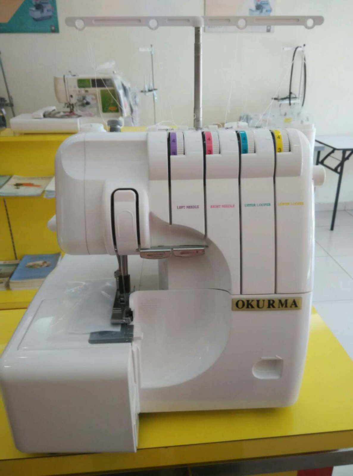 4 Threa Portable Overlock Sewing Machine