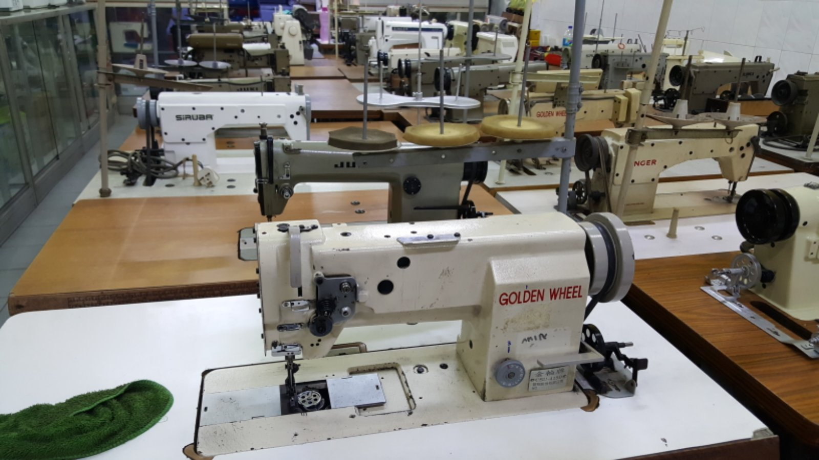 Second Hand Low And Hi Speed Sewing Machine