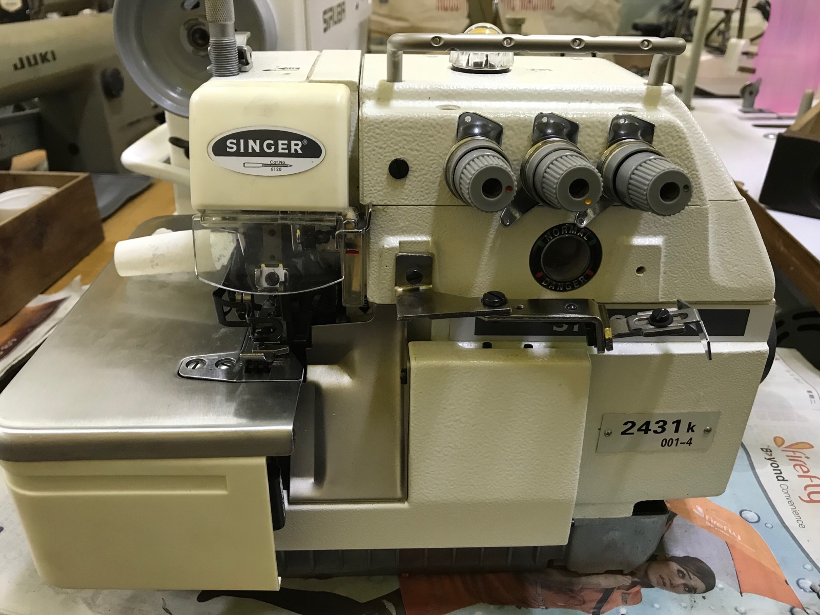 Second Hand Indestial Overlock Sewing Machine