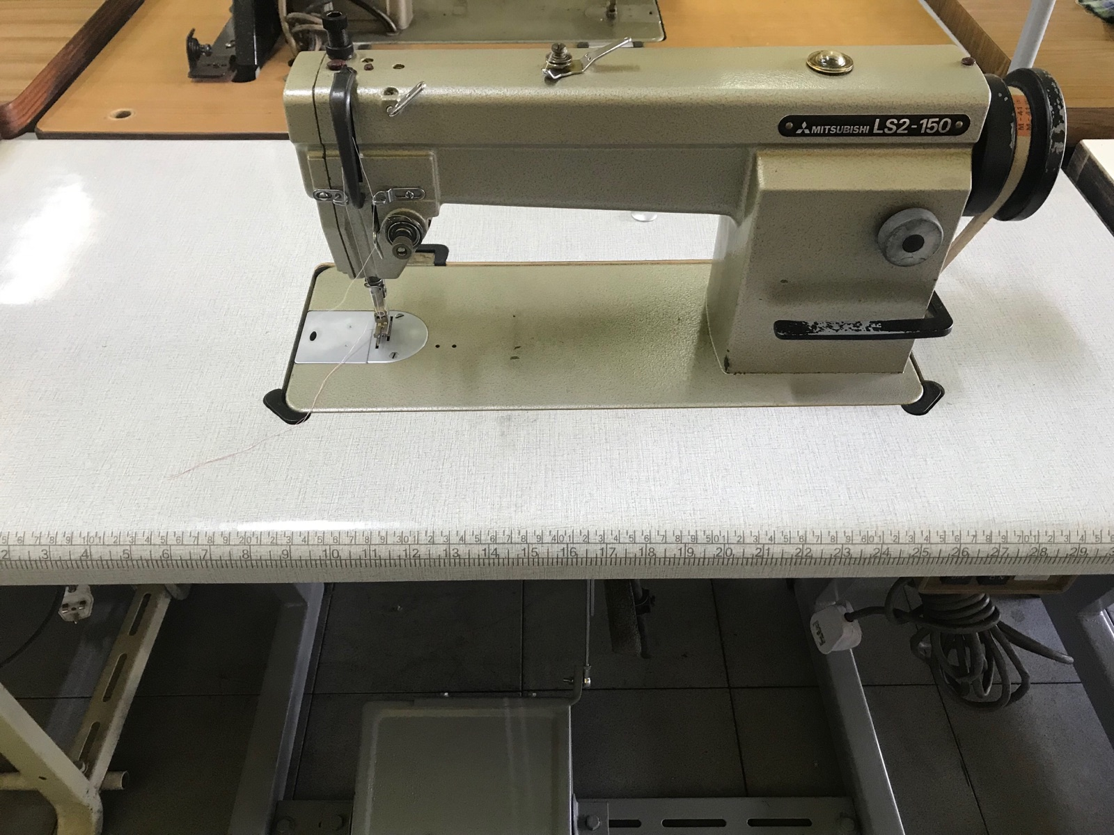 Second Hand Mitshubishi Hi Speed Sewing Machine