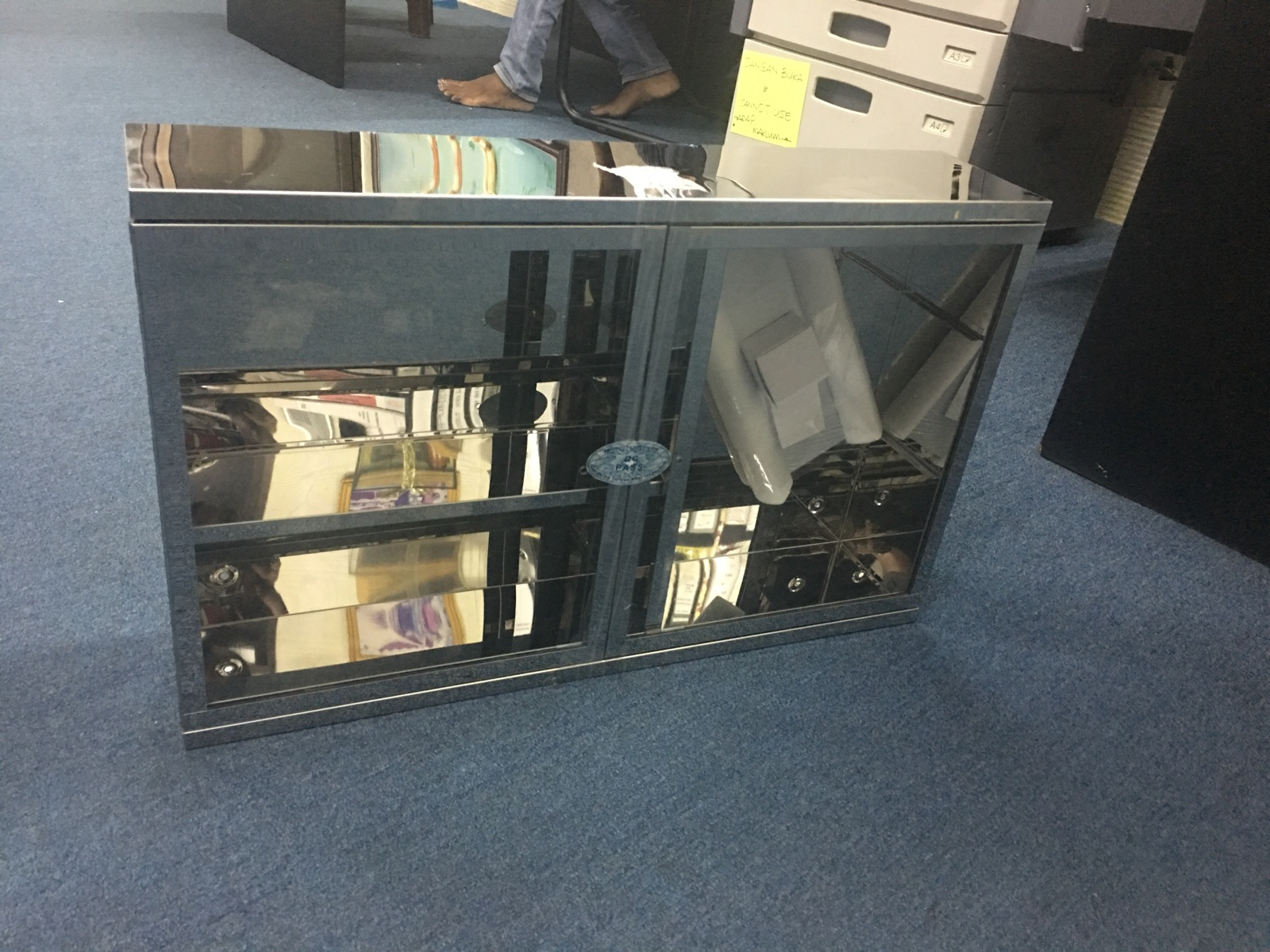 S/Steel Box mirror  Size 600cm x 380cmx 130cm