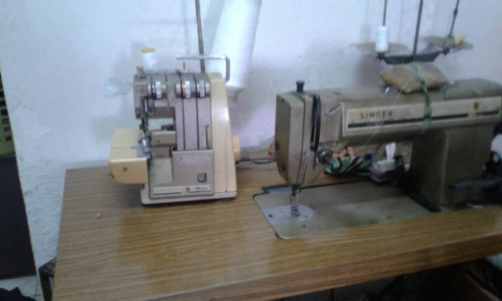 Second Hand Singer Portable Overlock And Singer Hi Speed Sewing Machine