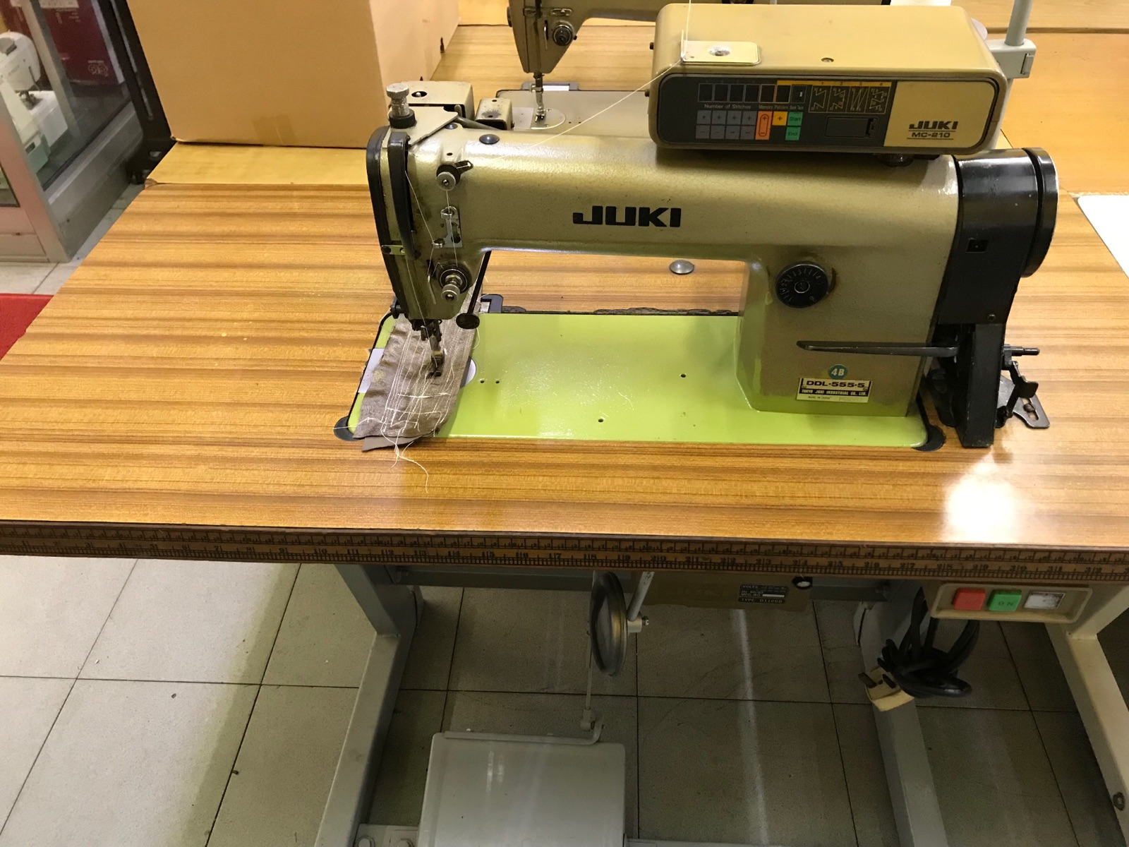 Second Hand Juki Automatik Hi Speed Sewing Machine
