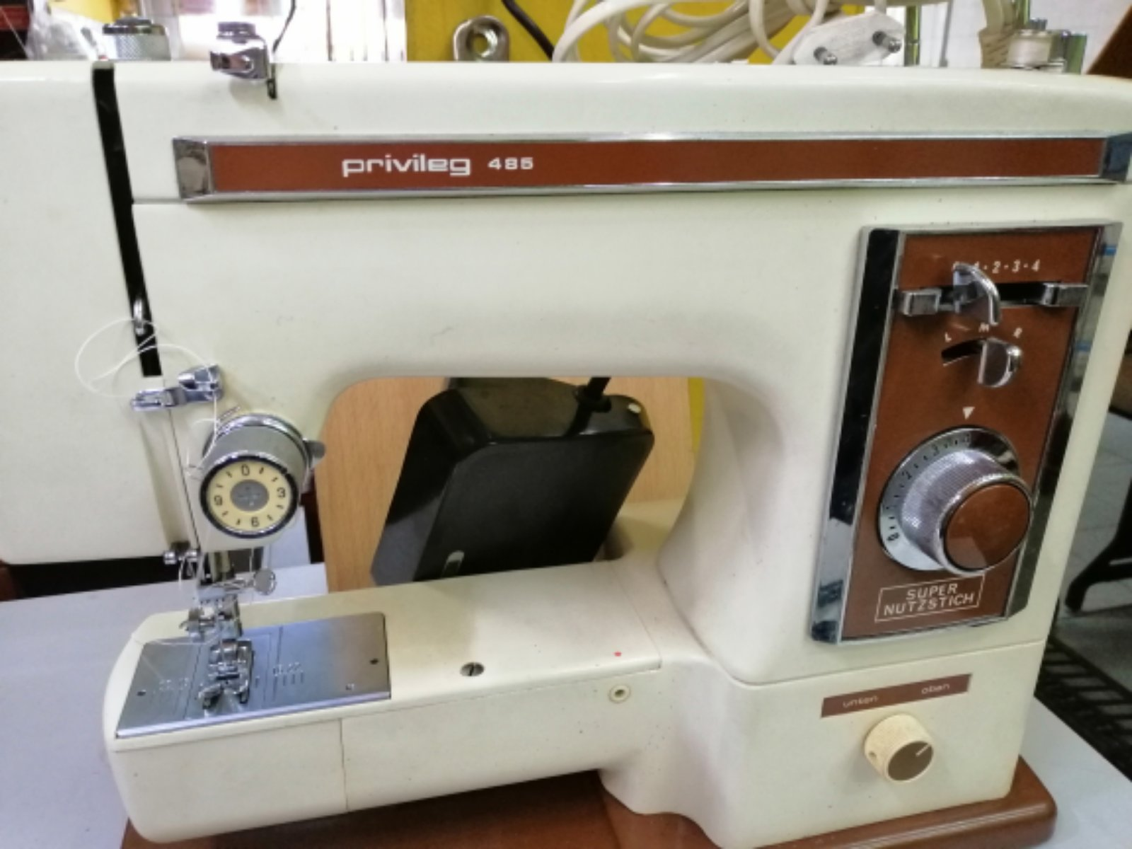 Repair Brand Privileg Portable sewing machine