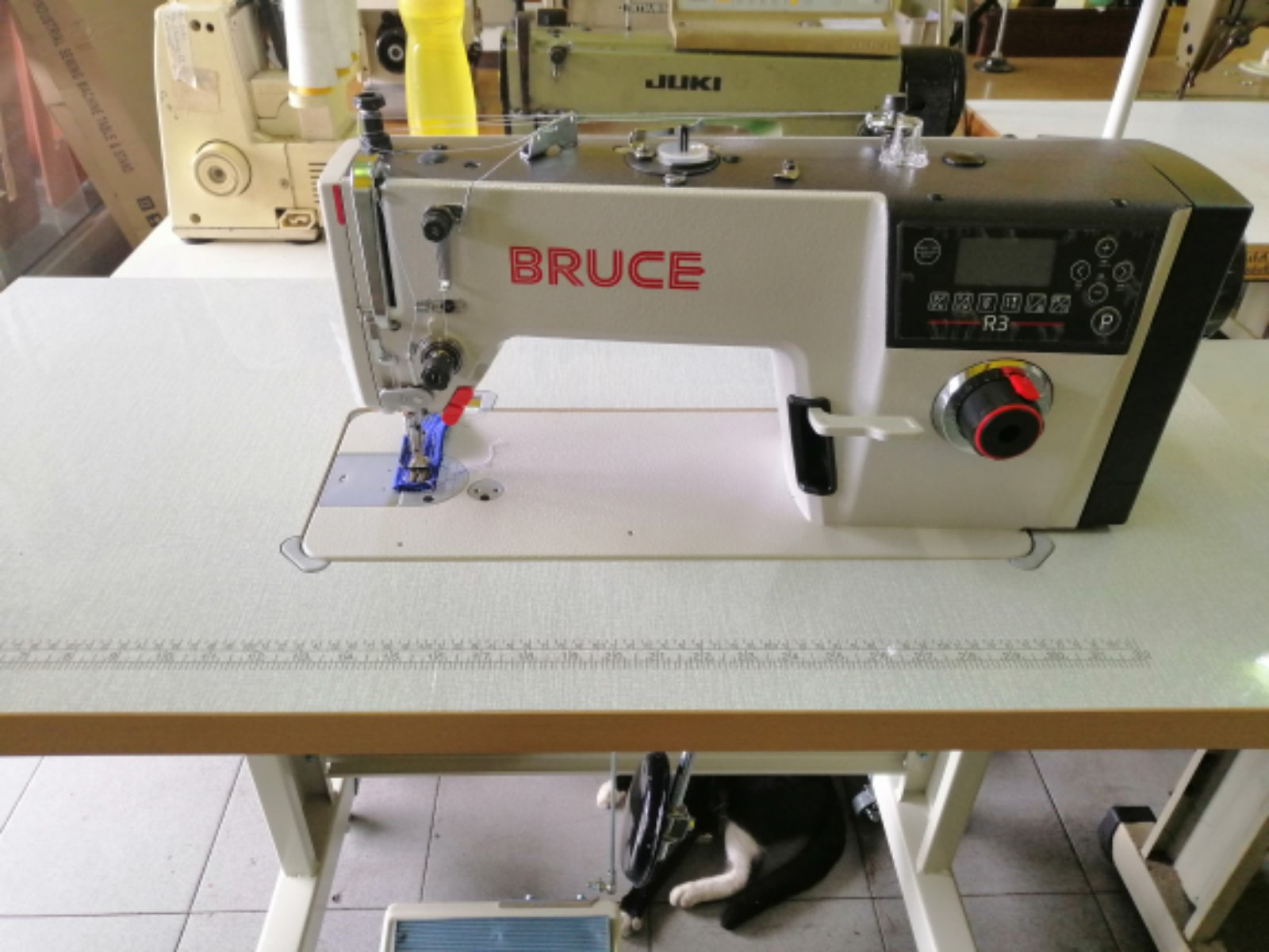 New Model For Bruce Hi Speed Automatik Sewing Machine