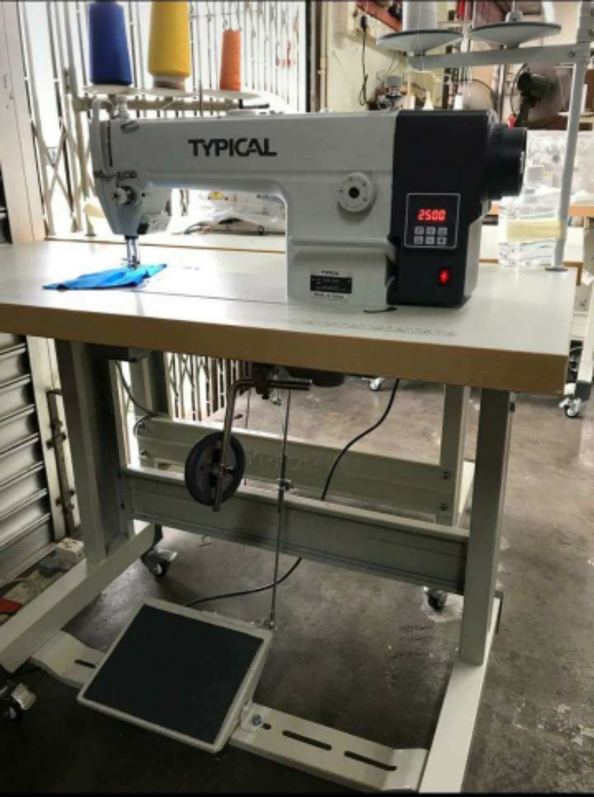 Typical Hi Speed Direct Drive Motor Sewing Machine