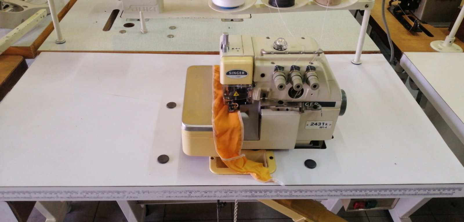 User Singer Overlock Industrial Sewing Machine