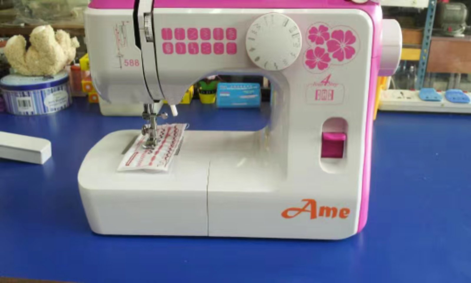 Ame Portable Zie Zig Sewing Machine