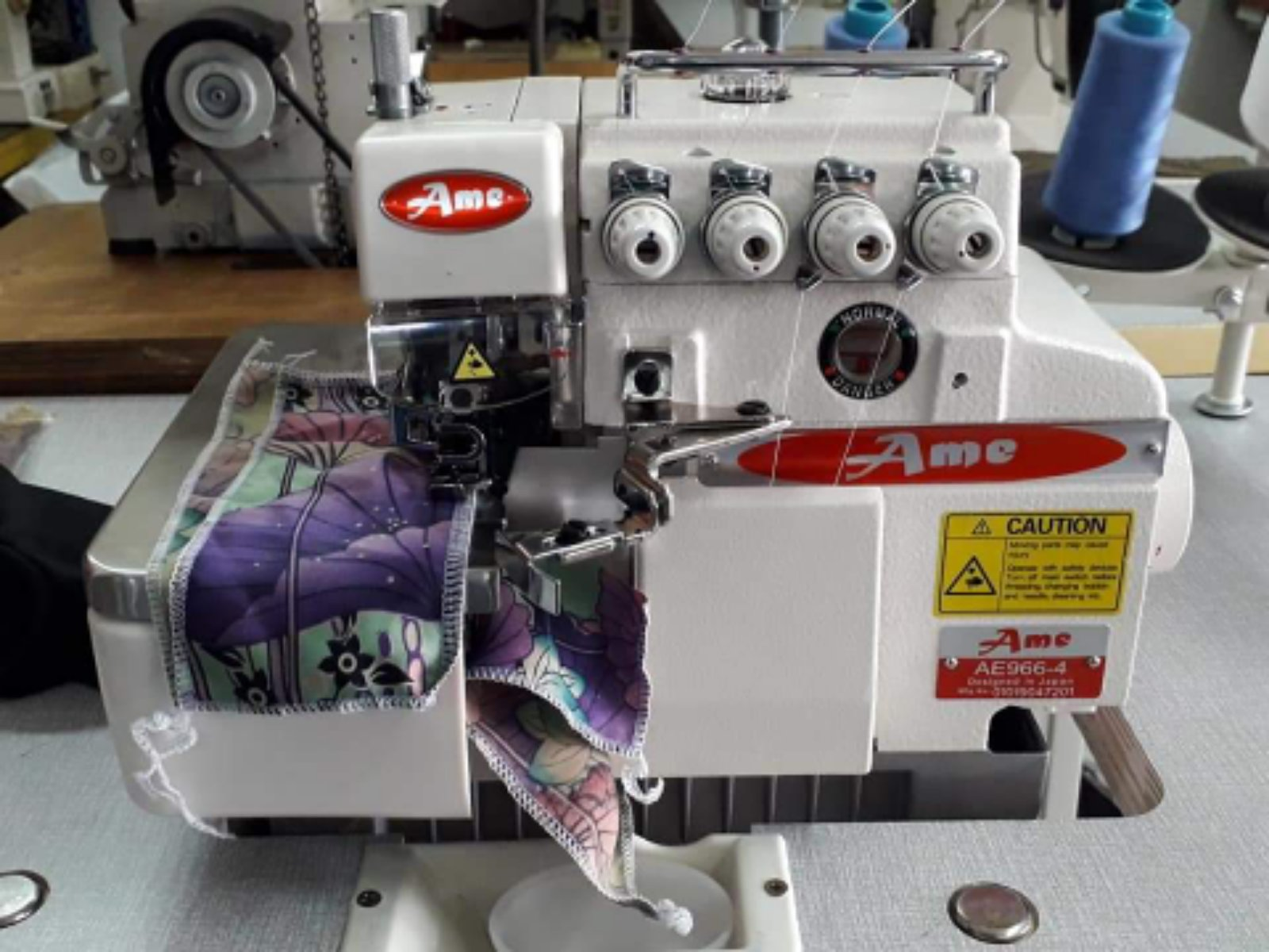 Ame Industrial Overlock Sewing Machine
