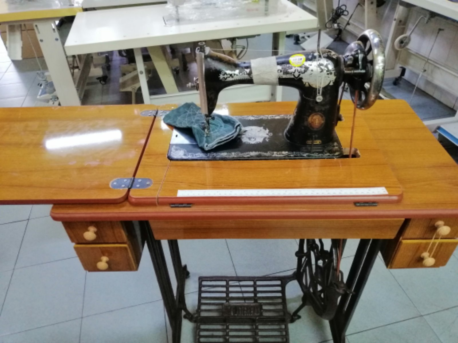 Chenge Table For Antique Sewing Machine