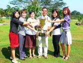 MALAYSIA GOLF IDOL 2009, ABD KHALIFAH (HCP 2) WITH THE SHAN SHUI GCR OFFICIALS AFTER THE CROWNING CEREMONY