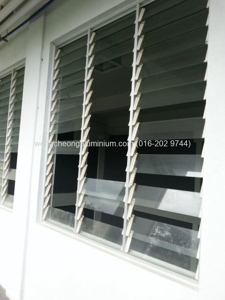 Aluminium Adjustable Louvres Window Sungai Buloh Selangor