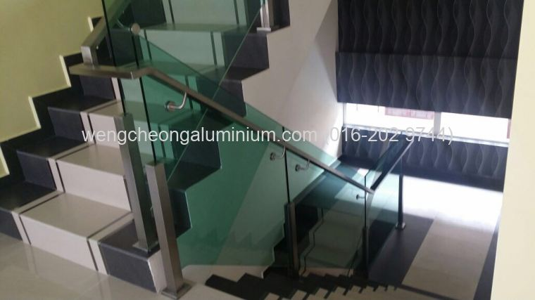 Stainless Steel Railing With Tempered Tinted Glass