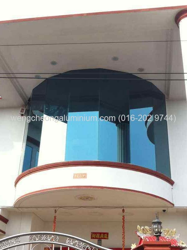 Exterior Glass Screen (Reflective Glass)