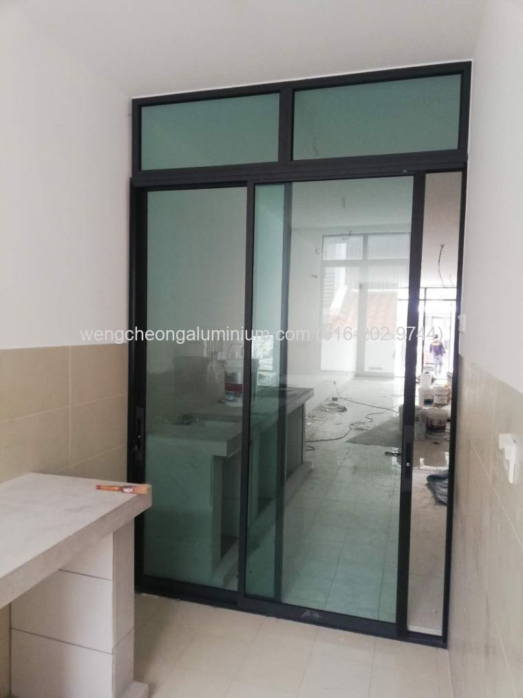 Performance Sliding Door (Laminated Light Green Glass)