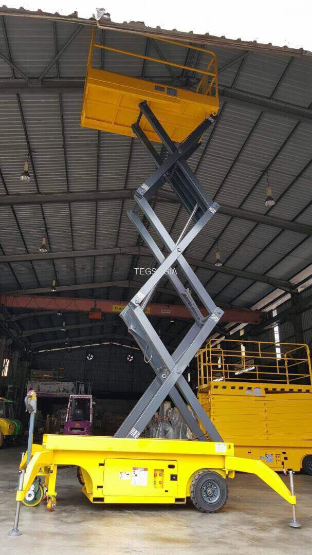 Mobile Scissor Lifters With Motor Driven