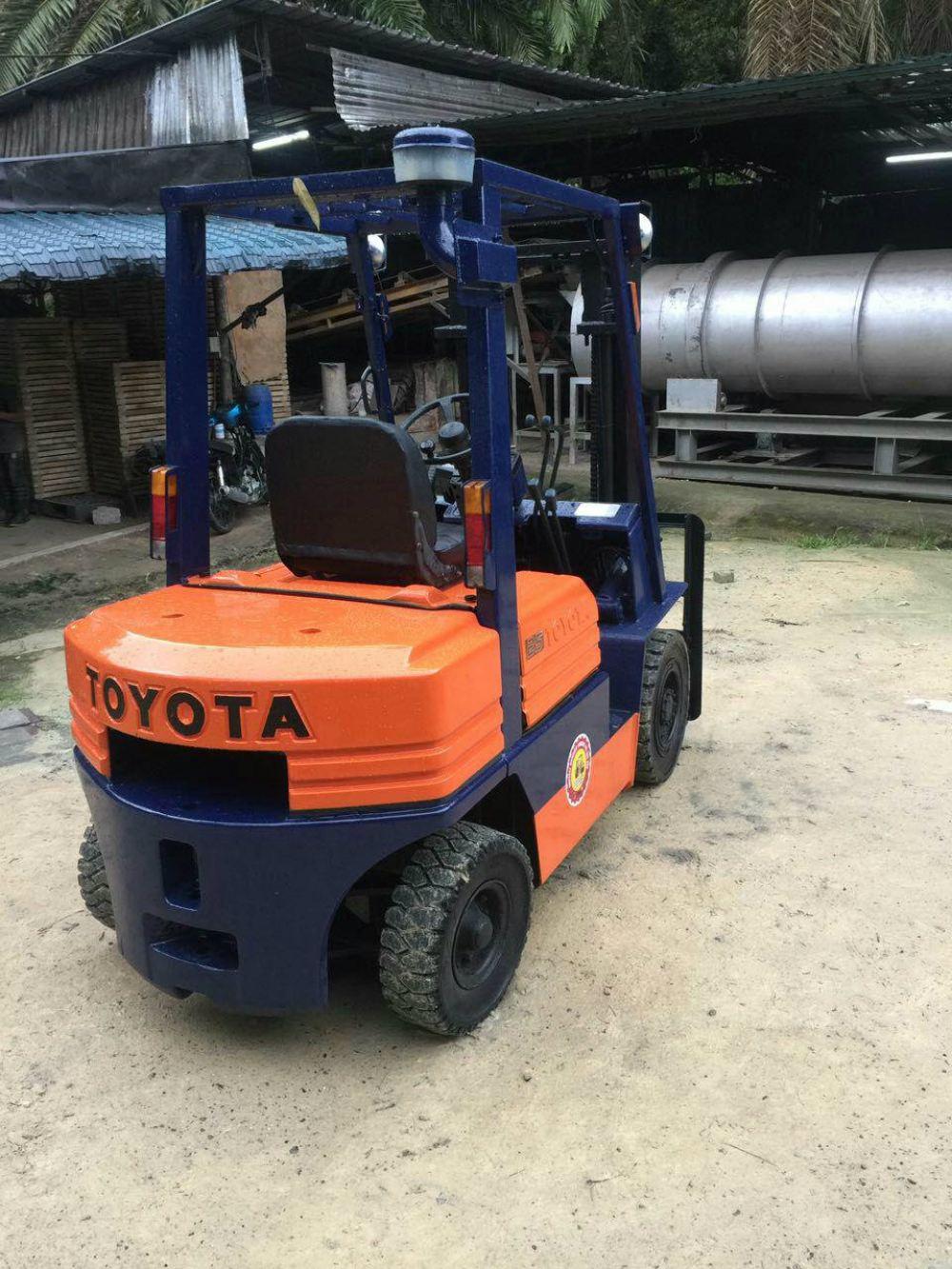 Forklift - Toyota