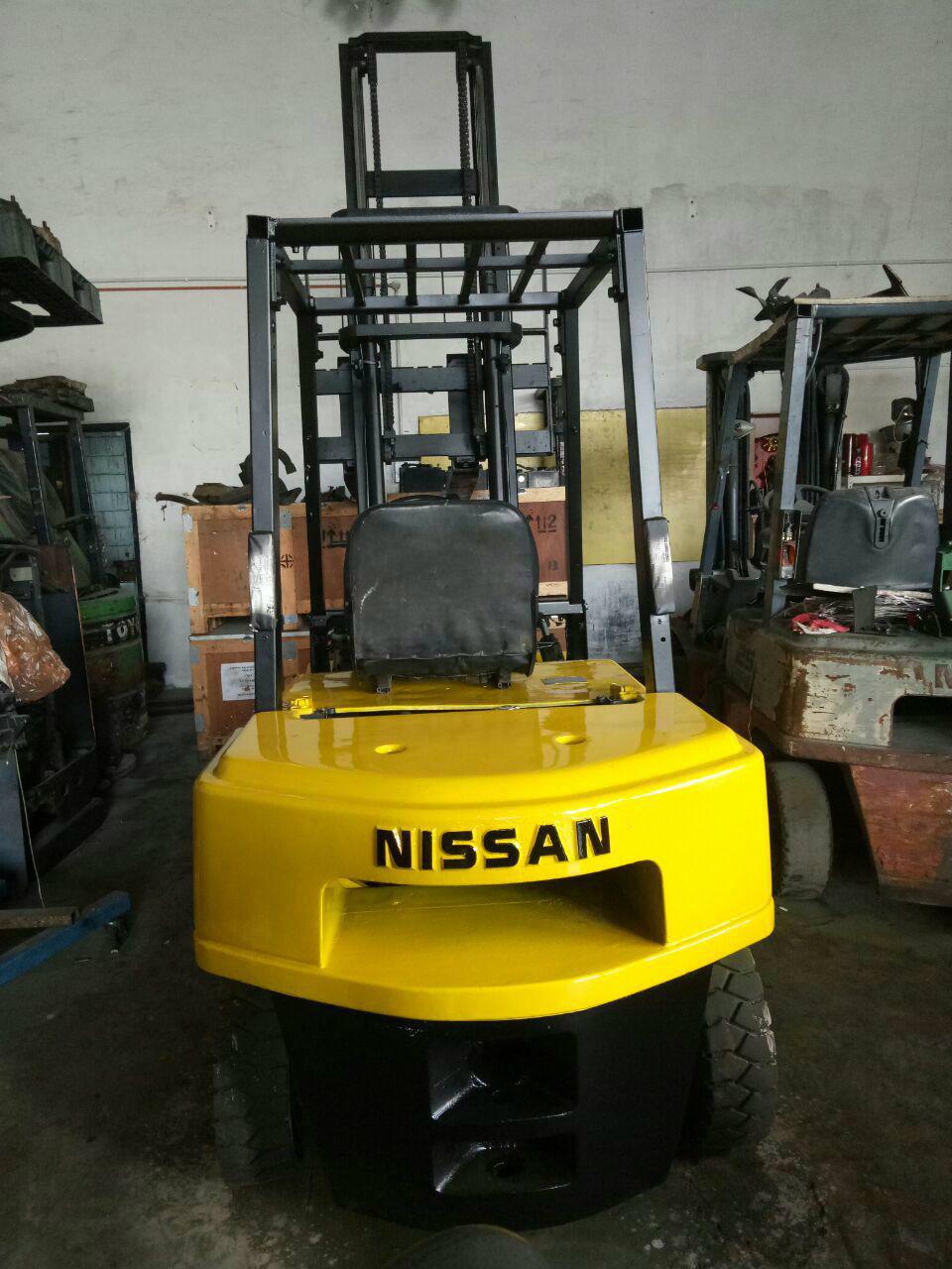NISSAN FJO2