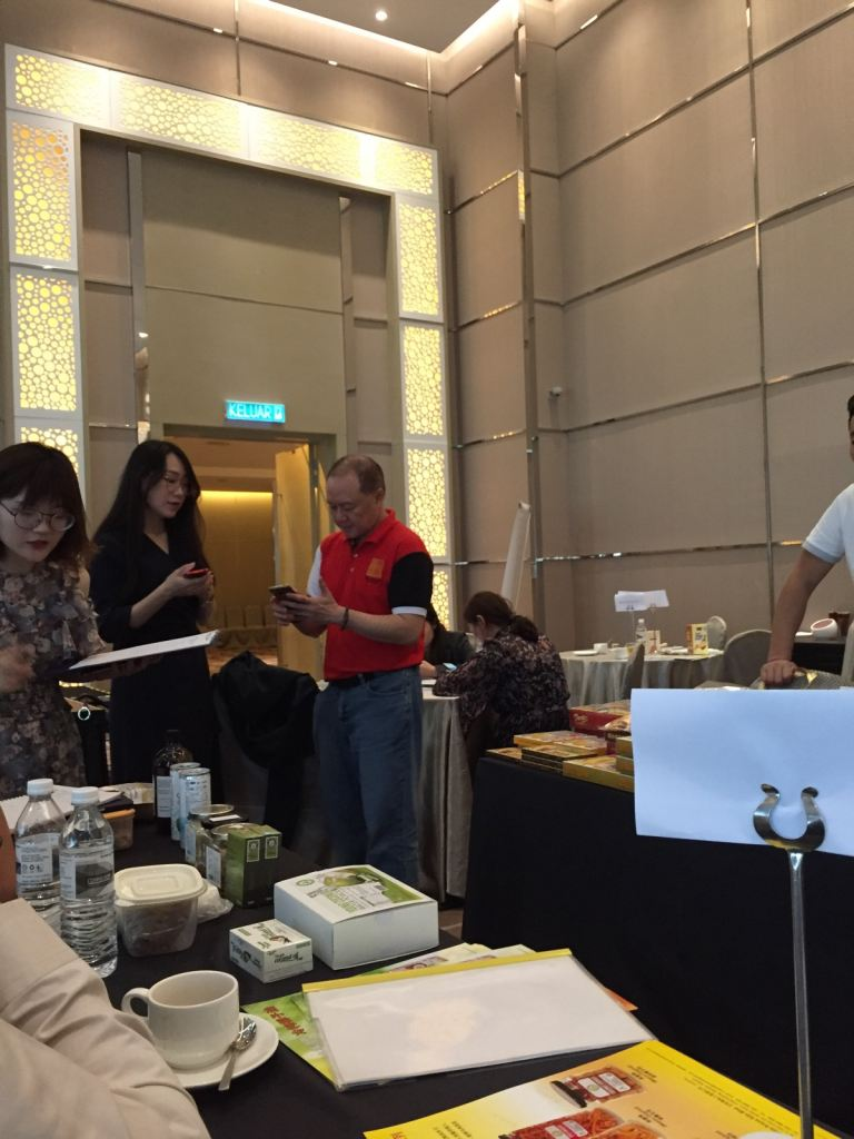 CHINA E-COMMERCE BOARDING