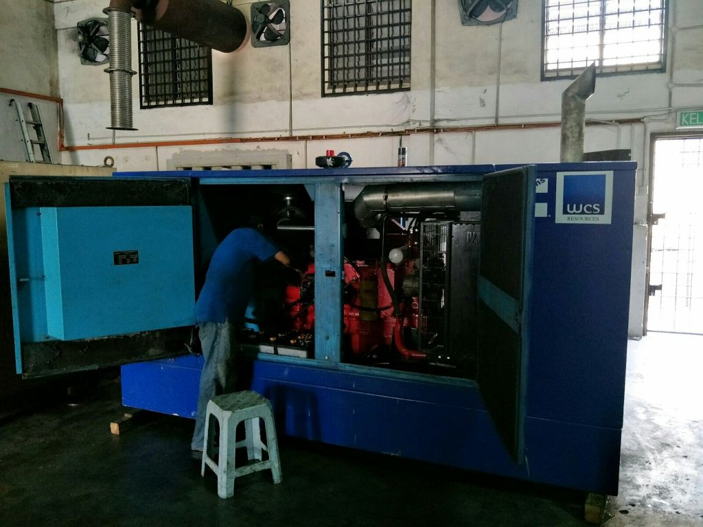 180kVA Cummins Diesel Genset Reconditioned Done (All New starter, wiring, electronic controller and paint) Manage by WCS Resources Sdn Bhd (JB)