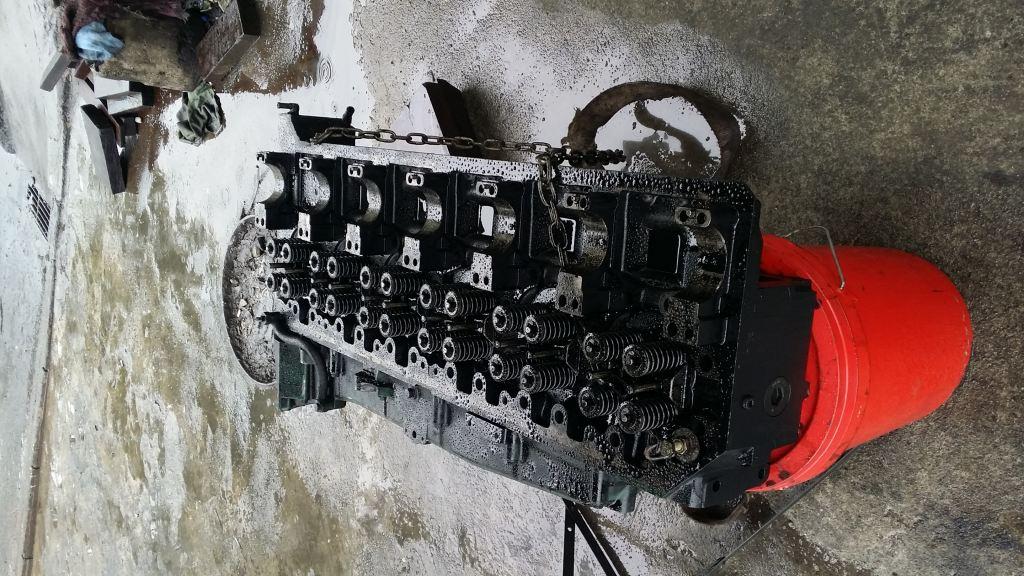 OVERHAUL ENGINE LORRY DIESEL
